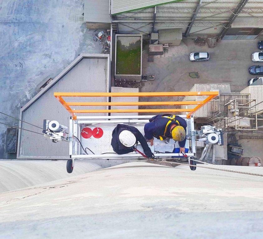 Plataforma colgante KOMPLET para mantenimiento exterior de silos