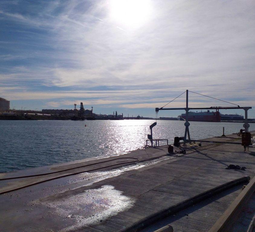 Cabina colgante BASIC para trabajos en muelle portuario
