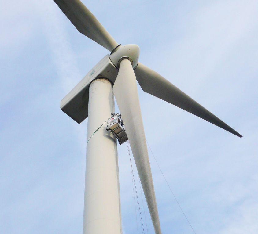 Modublade platform for GAMESA G47 wind turbine tower maintenance
