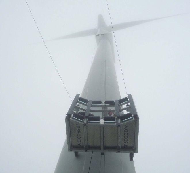 modublade-subiendo-aerogenerador-bonus-600_web