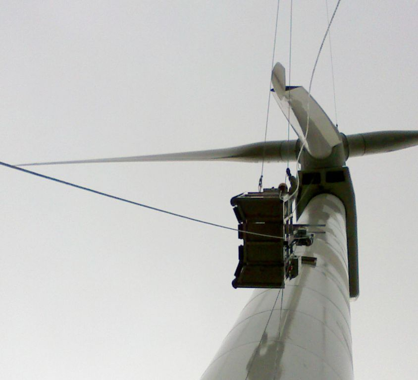 Modublade platform for MADE AE-46 wind turbine blades maintenance